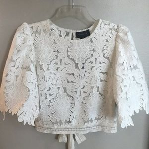 Gracia lace cropped top NWT Size Medium